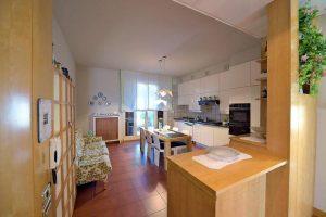 L'Agenzia Immobiliare Puzielliproponevilla frazionabile in tre unità immobiliare in vendita a Monte Urano (7)