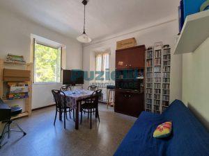 L'Agenzia Immobiliare Puzielli proponeappartamento con corte esterna in vendita a Fermo (1)