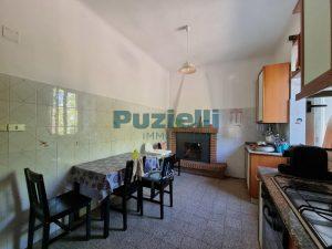L'Agenzia Immobiliare Puzielli proponeappartamento con corte esterna in vendita a Fermo (4)